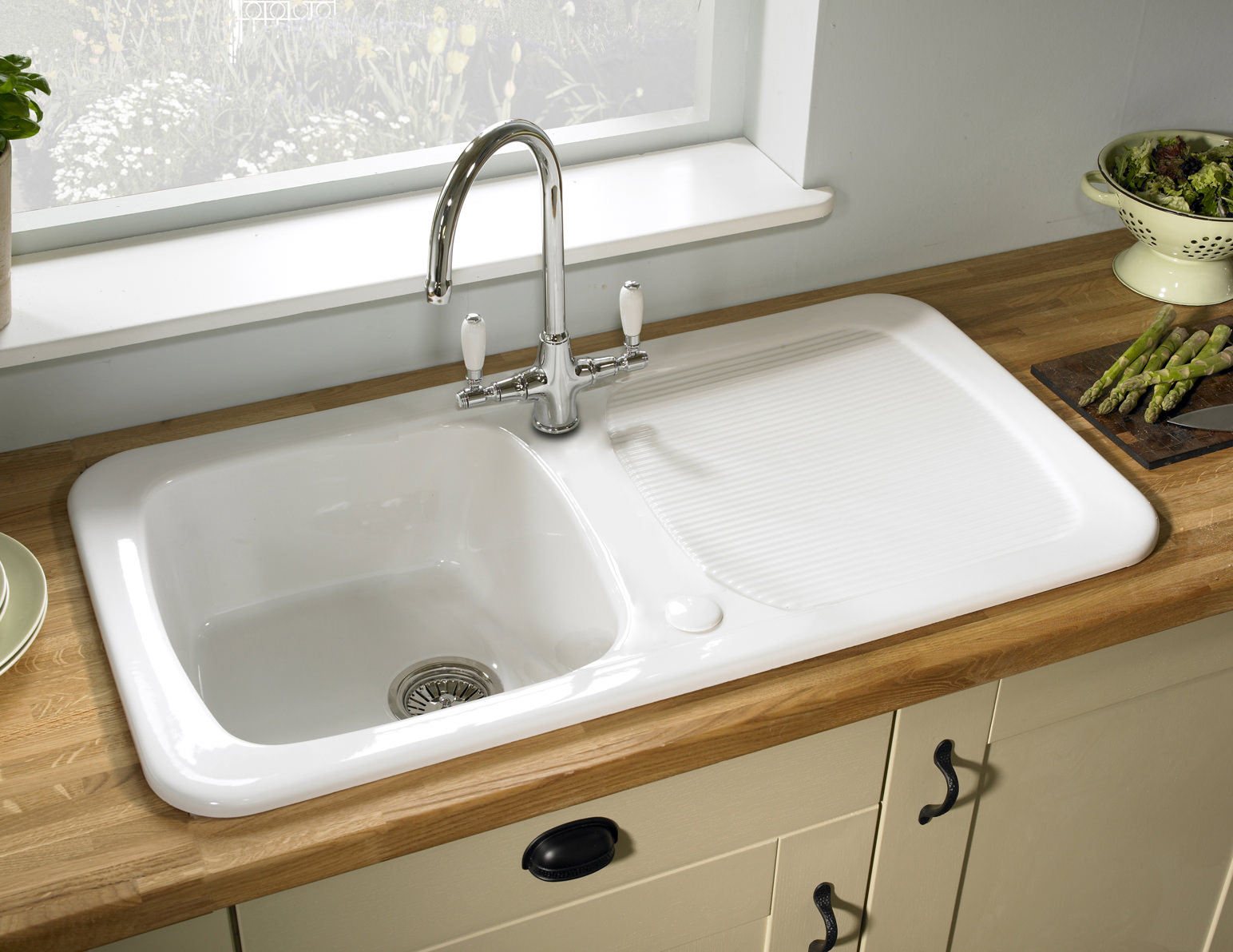Inset Bathroom Sink Bowl : ... New Astracast Aquitaine Gloss White Ceramic Inset Sink - 1.0 Bowl